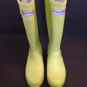 Hunter boots rain boots lime green 4M/5F